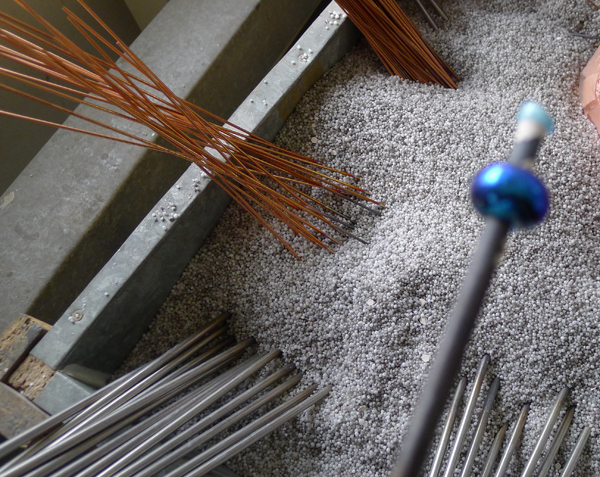 Beads Annealing in Vermiculite