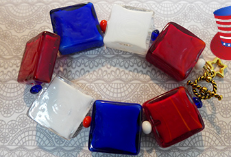 Easy Holiday Bracelet Red, White & Blue