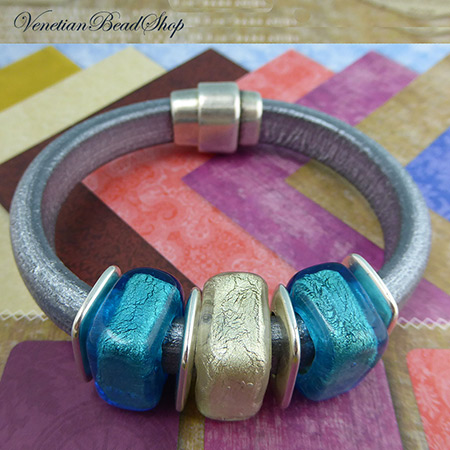 Aqua and White Gold Regaliz Bracelet Design